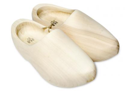 https://www.klompen.com/houten klompen met een goede pasvorm