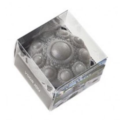 Zeeuwse knop zeepje grijs in venster doosje.