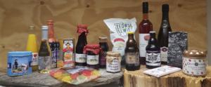 Zeeuwse streekproducten, zoals bieren, jam, mosterd, wijnen, sappen en babbelaars.