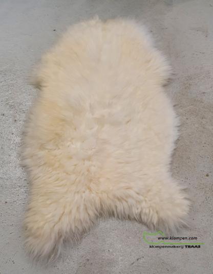 mooie witte schapenvacht